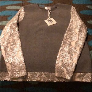 Yal sweater with shiny sleeves